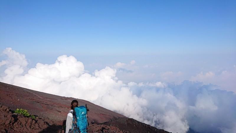 【富士山1泊2日登山】へ行ってきたレポート/万年雪山荘泊/御来光